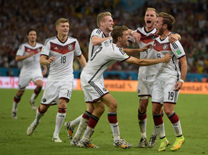 * AFP PHOTO JUAN MABROMATA 