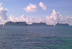 The AidaLuna passes the Norwegian Dawn and the Explorer of the Seas on Thursday. <em>*Photo submitted by Venessa Hizon</em>